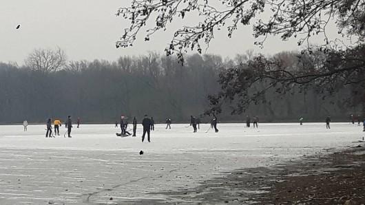 Statt Schluttschuh zu laufen können Freiwillige sich am Haus Entenfang in Riddagshausen melden. (Archivbild)