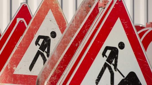 Die Bauarbeiten in der Rudolfstraße verzögern sich. (Symbolbild)