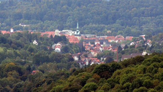 In Petershütte, einem kleinen Ortsteil von Osterode am Harz (unser Foto) haben Mediziner eine ungewöhnliche Häufung von tödlichen Hirntumoren festgestellt.