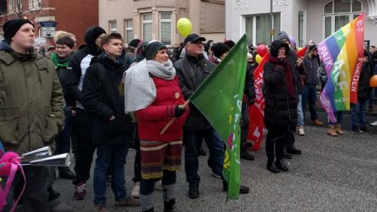 Das Peiner Bündnis für Toleranz hatte zum bunten Protest gegen die rechten Demonstranten aufgerufen.