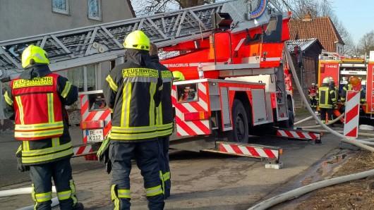 Die Feuerwehr Peine wurde am Montag zu einem Wohnungsbrand gerufen (Symbolbild).