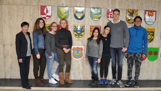 Willkommen in Wolfsburg! Vier Austauschschüler aus Mexiko bleiben jetzt ein halbes Jahr lang an der Neuen Schule.