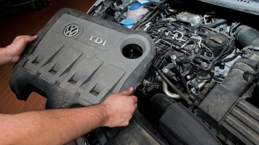 Die Große Koalition erwartet von den deutschen Automobilherstellern Hardware-Nachrüstungen. Die Haftung sollen die Nachrüster tragen (Archivbild).