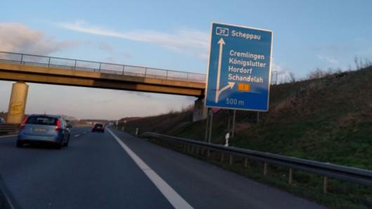 Monatelang müssen sich Autofahrer auf der A39 auf Behinderungen einrichten. (Archivbild)