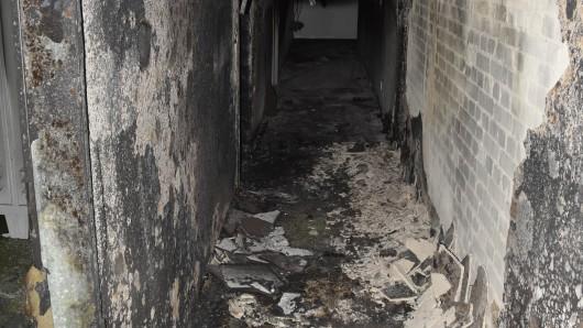 So sah's in der Flüchtlingsunterkunft nach dem Löschen des Feuers aus.