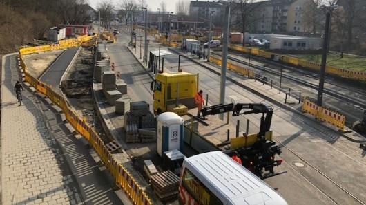 An der Helmstedter Straße wird gebaut - am Freitag fährt die Bahn nicht. (Archivbild)