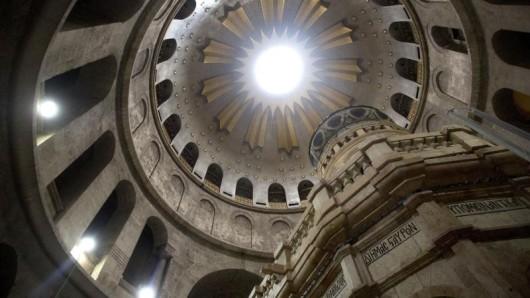 Die renovierte Grabkapelle in der Grabeskirche in Jerusalem. Die Heiligen Stätte in Jerusalem sind Ziele der Jugendbegegnungen 2018.