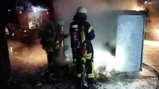 Drei von sechs Containern brannten ab (Archivbild).