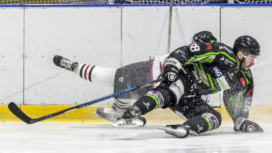Im vierten Spiel kamen die Icefighters um Daniel Doroshko gegen den Vorrundenmeister ins straucheln und schieden aus.