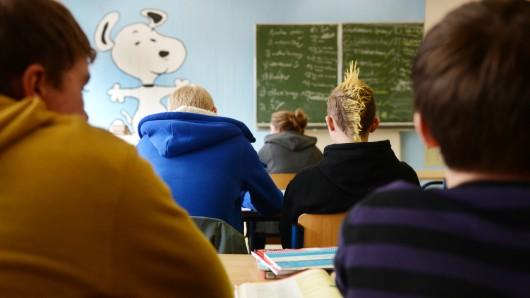 Um die Brennpunktschulen zu fördern, sollen mehr Lehrstunden geschaffen werden (Symbolbild).