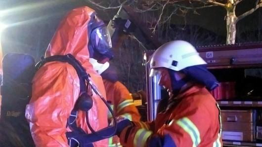Die Feuerwehr ist mit rund 60 Einsatzkräften vor Ort.