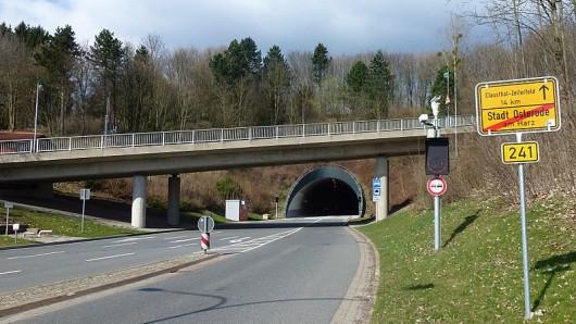 Hier am Butterbergtunnel sieht die B241 gut aus - aber in der Ortsdurchfahrt von Clausthal-Zellerfeld besteht offenbar millionenschwerer Sanierungsbedarf - entsprechende Verkehrsbehinderungen scheinen sicher.