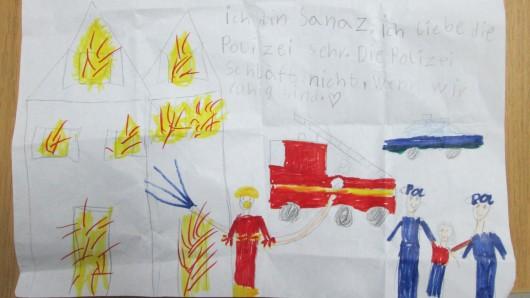 Mit diesem Bild hat sich die Siebenjährige bei den Beamten bedankt.