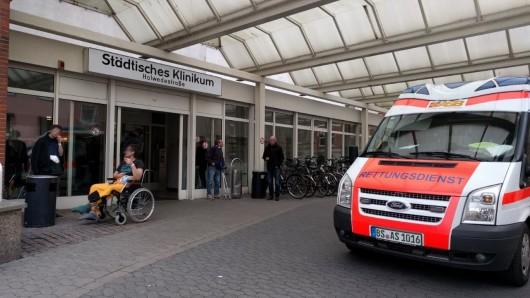 Bis mindestens 2023 wird das Krankenhaus an der Holwedestraße noch gebraucht. Danach soll es abgerissen werden und einem Wohngebiet Platz machen.