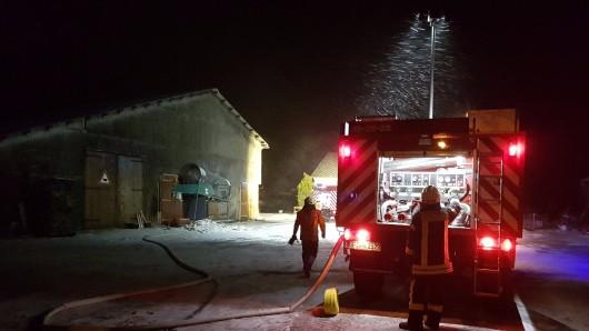 Das Feuer war in einer Zwischenwand des Nebengebäudes ausgebrochen.