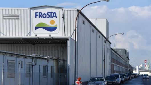 Eine Halle der Firma Frosta AG. Das Unternehmen stellt am Donnerstag aktuelle Zahlen vor. (Archivbild)