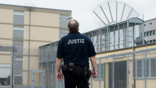 In der JVA Hannover sollen Häftlinge misshandelt worden sein (Archivbild).