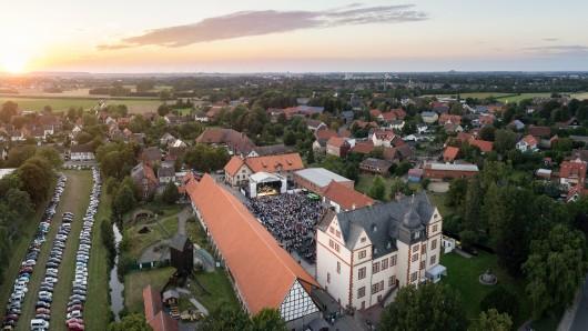 Vor der Bühne wurde's richtig eng: Im vergangenen Jahr kamen rund 12.000 zum Kultursommer (Archivbild).