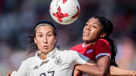 Sara Doorsoun (links) wechselt zum VfL Wolfsburg. Die Abwehspieler kommt aus Essen und wird dem VfL vorerst bis 2021 erhalten bleiben.