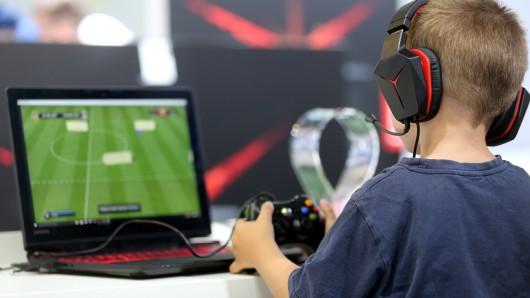 Das neue Projekt in Salzgitter wendet sich an Kinder, Jugendliche und Erwachsene, die ihr Spiel- und Internetverhalten nicht mehr unter Kontrolle haben (Symbolbild).