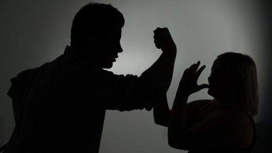 Der Mann hatte der Frau während eines Streites im Lebenstedter Stadtpark ins Gesicht geschlagen (Symbolbild).