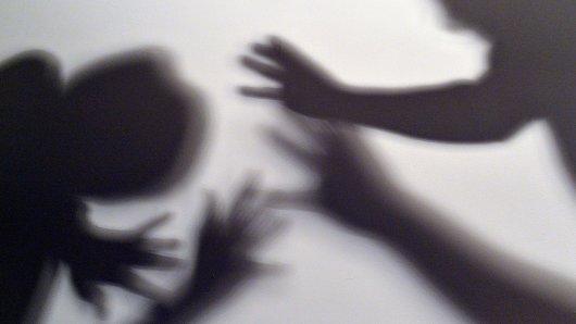 Die Frau wollte nur schlichten und wurde selbst attackiert (Symbolbild).
