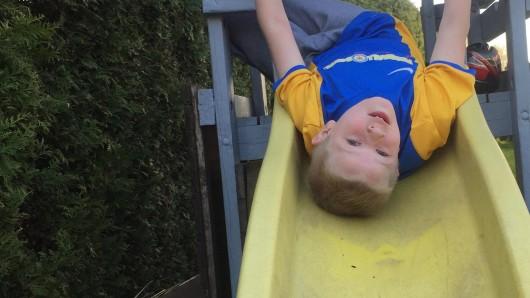 Klettermax: Noel tobt gerne im Garten - in ein paar Jahren wird das nicht mehr möglich sein.