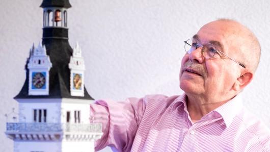 Wilhelm Peters investiert tausende Stunden in seine Modelle.
