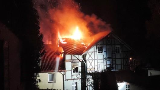 Um 1.10 brach das Feuer aus bisher ungeklärter Ursache aus.