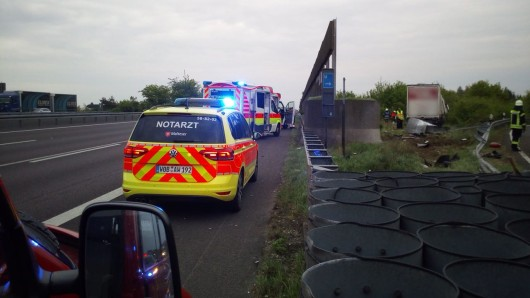 Der Notarzt konnte nichts mehr für den Fahrer tun - er verstarb noch an der Unfallstelle.
