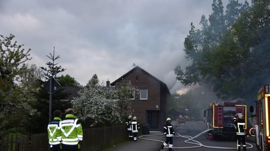 Beim Brand entstand viel Rauch.