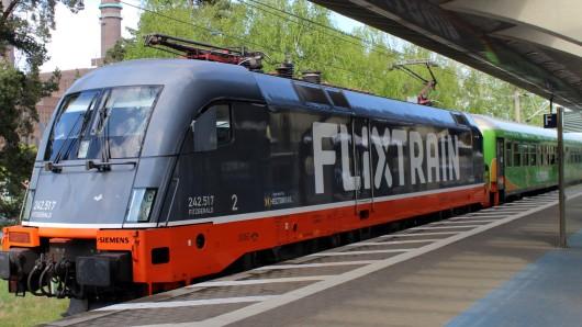 Heute Nachmittag hat erstmals ein Flixtrain am Wolfsburger Hauptbahnhof gehalten.