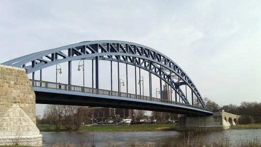 Die Sternbrücke in Magdeburg ist zur Zeit noch gesperrt (Archivbild).