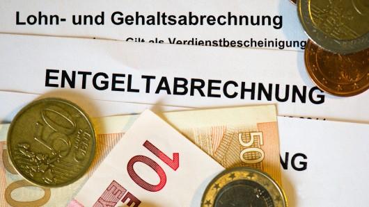 Ein Drittel der Ostdeutschen verdienen 2.000 Euro oder weniger. (Symbolbild)