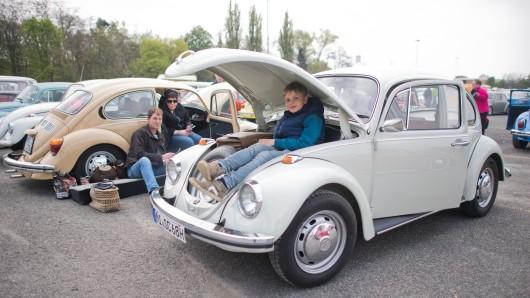 Das Alter spielt bei der Leidenschaft zum Kultauto Käfer keine Rolle. (Archivbild)