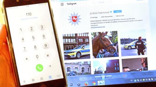 Der offizielle Instagram-Account der Polizei Hannover und ein Smartphone mit der 110-Rufnummer der Polizei. Nach den Polizeidirektionen Hannover und Oldenburg startet auch die Direktion in Osnabrück ihren Instagram-Account.