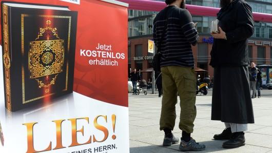 Einen für Anfang April geplanten Koran-Infostand in der Porschestraße hat die Wolfsburger Stadtverwaltung untersagt. Die Begründung: Gefahrenabwehr (Symbolbild).