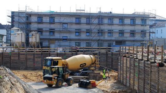 In Braunschweigs neuem Quartier St. Leonhard werden zur Zeit die Tiefgaragen und Keller ausgehoben - alles läuft nach Plan.