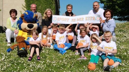 Die Eintracht Braunschweig Stiftung hat das Projekt Sport in der Kita nun auch im Landkreis Wolfenbüttel gestartet.
