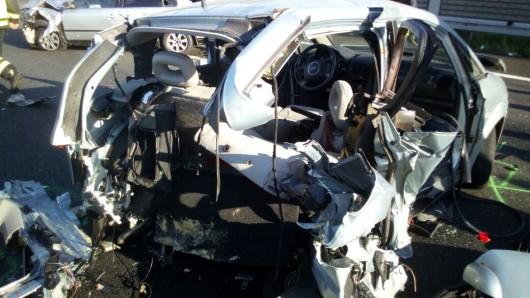 Zwei beim ersten Unfall beteiligte Fahrzeuge.