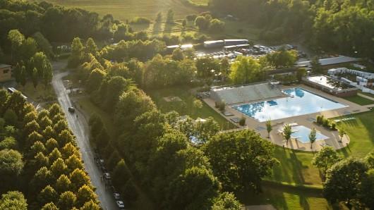 Auch das Raffteichbad in der Weststadt bleibt länger geöffnet (Archivbild).