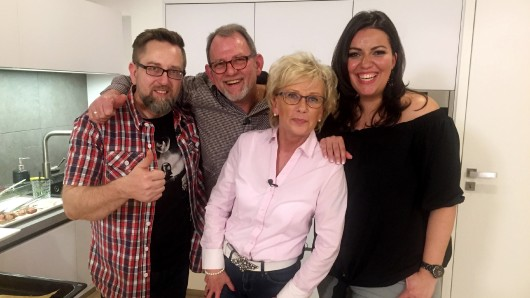 Die vier Hobbyköche aus der Das perfekte Dinner-Staffel aus dem Braunschweiger Land: Oliver (v.l.), Helmut, Christine und Özlem.