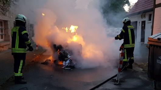 Innerhalb weniger Minuten hatten die Fallersleber Wehrleute den brennenden Container gelöscht.