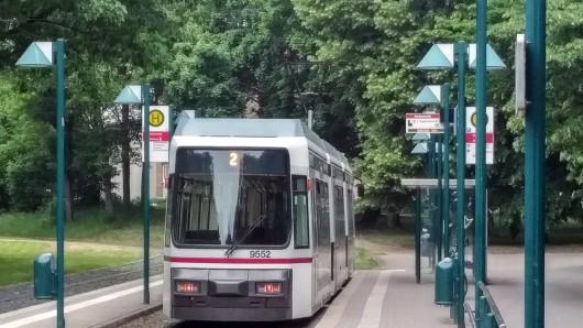 Die Wendeschleife der Straßenbahnlinie 2 wurde knapp sechs Wochen lang erneuert. (Archivbild)