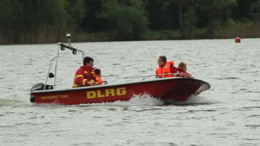 Das Motorrettungsboot der DLRG OG Schöningen.