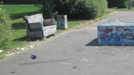 Anwohner hatten sich bei der Polizei über den Müll beschwert.