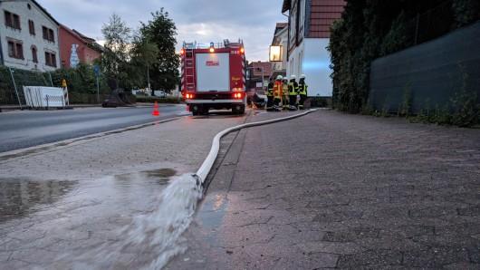 Die Feuerwehr in Schöningen hatte am Mittwochabend alle Hände voll zu tun.