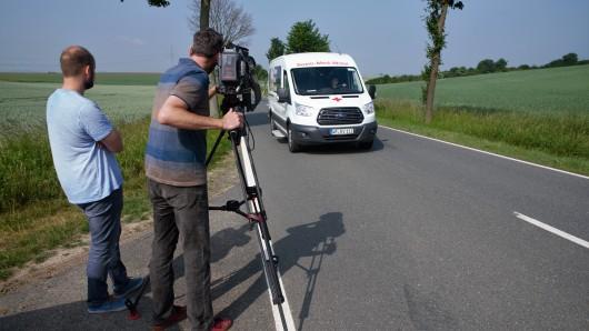 Ein Fernsehteam des rbb hat das Sozio-Med-Mobil des DRK Wolfenbüttel begleitet.