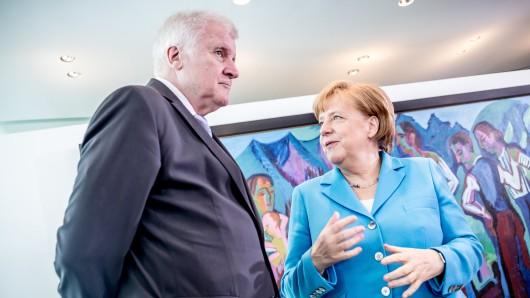 Sie haben sich wohl nichts mehr zu sagen: Innenminister Horst Seehofer (CSU) und Bundeskanzlerin Angela Merkel (CDU).