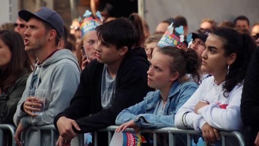 Enttäuschung und Fassungslosigkeit bei den deutschen Fans beim Public Viewing an der Martinikirche in Braunschweig.
